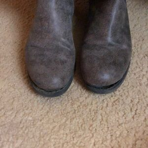 Maurices Shoes - Women's Size 9 boots